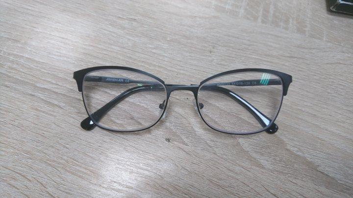 Процес виготовлення окулярів (фото)
