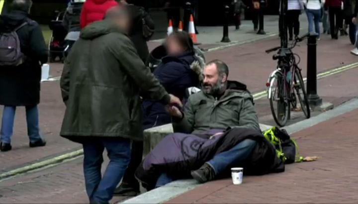 Британський дослідник провів 60 днів на вулиці і вирішив, що більше ніколи не буде давати гроші бездомним