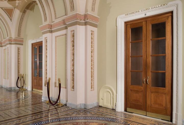 Маленькі дверцята великого Капітолію (фото)