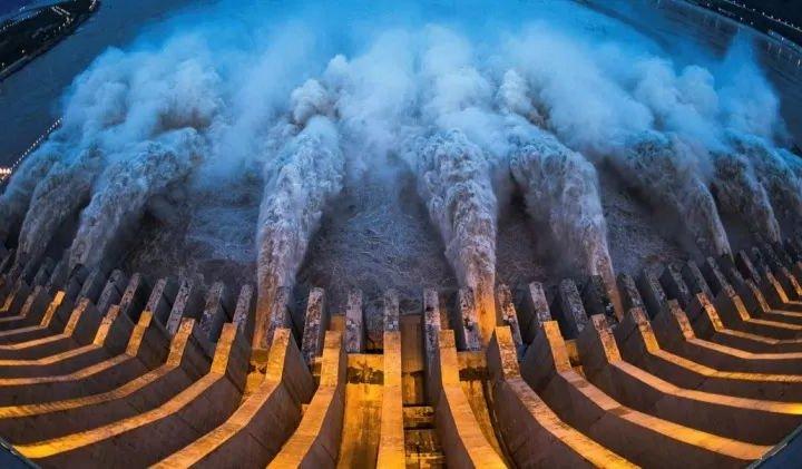 Гребля «Три ущелини», або Як китайці сповільнили обертання Землі