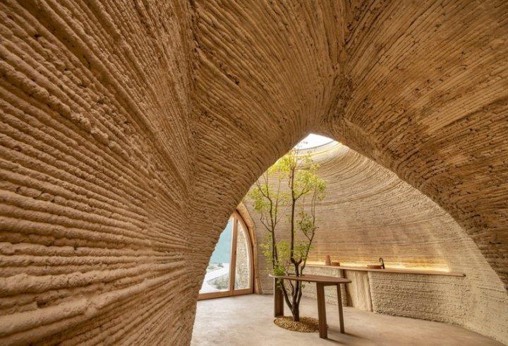 Завершилося будівництво першого еко-будинку «за мотивами» постмодерністського роману (фото)