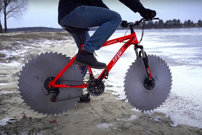 Icyclycle - зимовий велосипед з дисками від циркулярної пили (фото, відео)