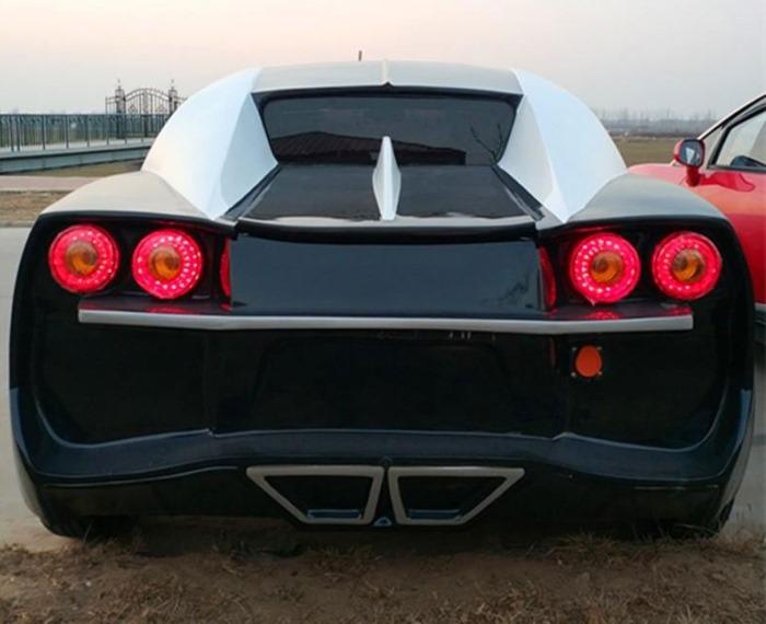 У Китаї зробили Bugatti Chiron, на якому можна їздити без прав (фото)
