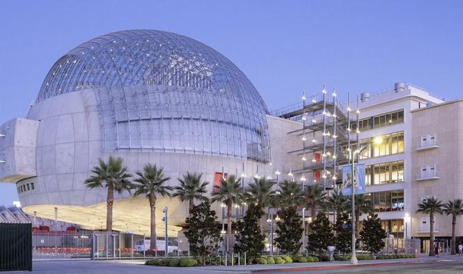 Вражаючий «Музей Кіно» відкритий в Каліфорнії